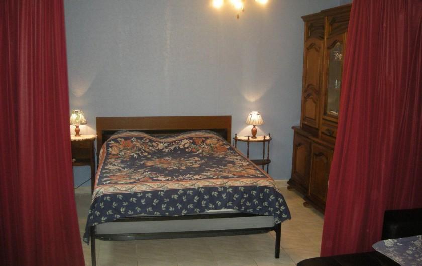 Location de vacances - Studio à Roquefort-la-Bédoule - Coin nuit suite