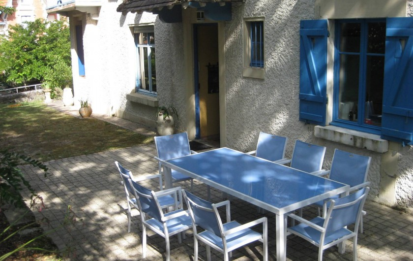 Location de vacances - Villa à Arcachon - Terrasse et jardin