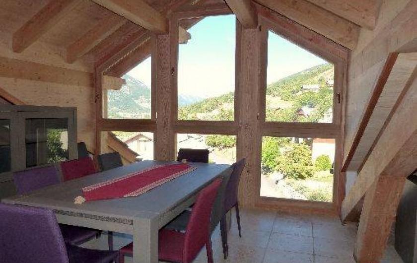 Location de vacances - Appartement à Saint-Chaffrey - Pièce de vie côté salle à manger