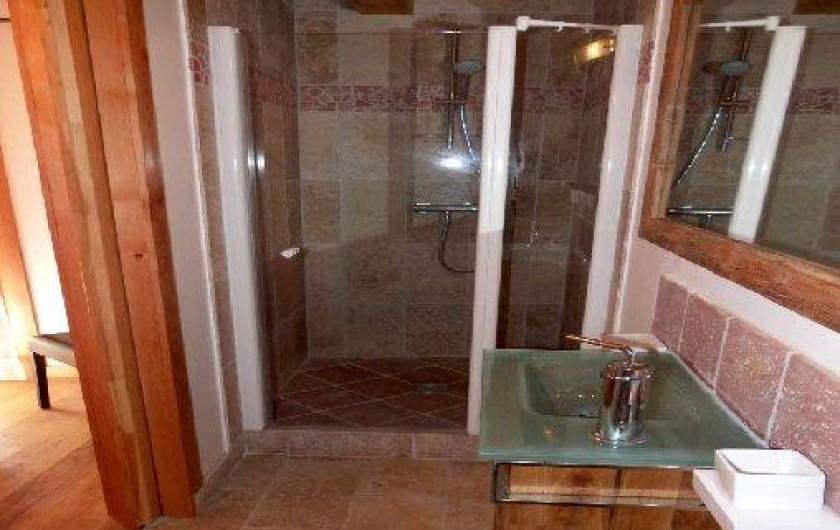 Location de vacances - Appartement à Saint-Chaffrey - La salle de bain de la 3eme chambre