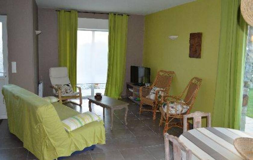Location de vacances - Maison - Villa à Les Moitiers-d'Allonne - salon coin tv