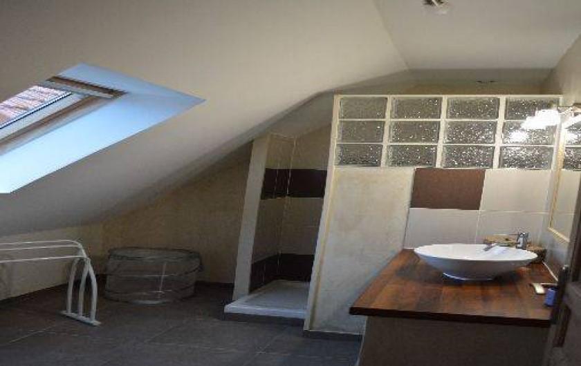 Location de vacances - Maison - Villa à Les Moitiers-d'Allonne - salle de douche étage