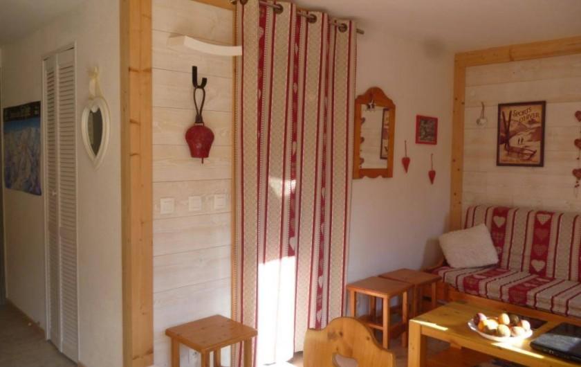 Location de vacances - Appartement à Le Corbier - séjour avec canapé convertible