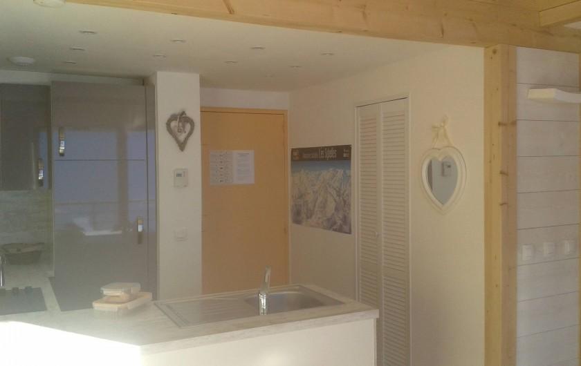 Location de vacances - Appartement à Le Corbier - Entrée et cuisine