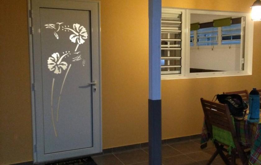 Location de vacances - Studio à Les Trois-Îlets - Cette photo ne sert à rien mais la porte est trop jolie hihi !!!