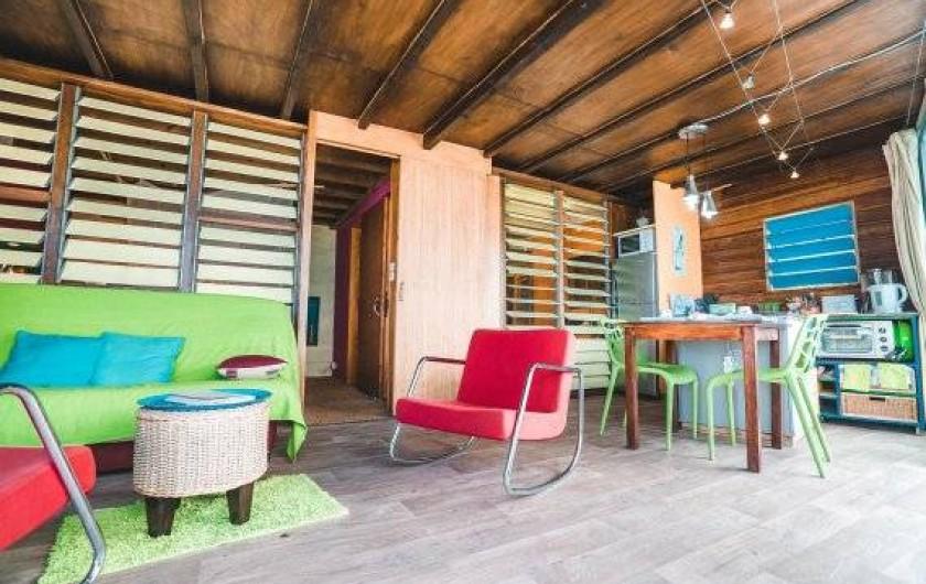 Location de vacances - Studio à Saint-Leu - salon et cuisine