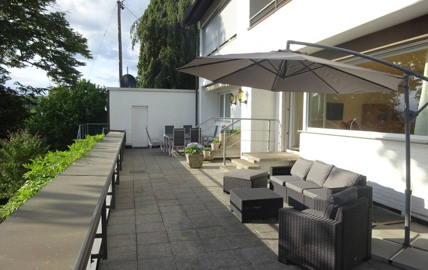 Location de vacances - Appartement à Linz - Diner et se rélaxer sur la terrasse