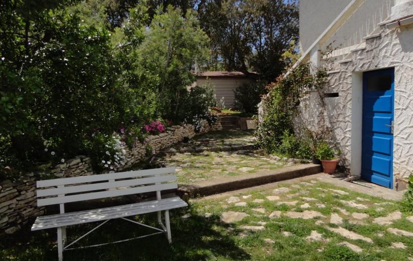 Location de vacances - Appartement à Porto-Vecchio - JARDIN