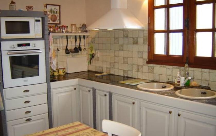 Location de vacances - Villa à Saint-Julien-de-Cassagnas - La cuisine