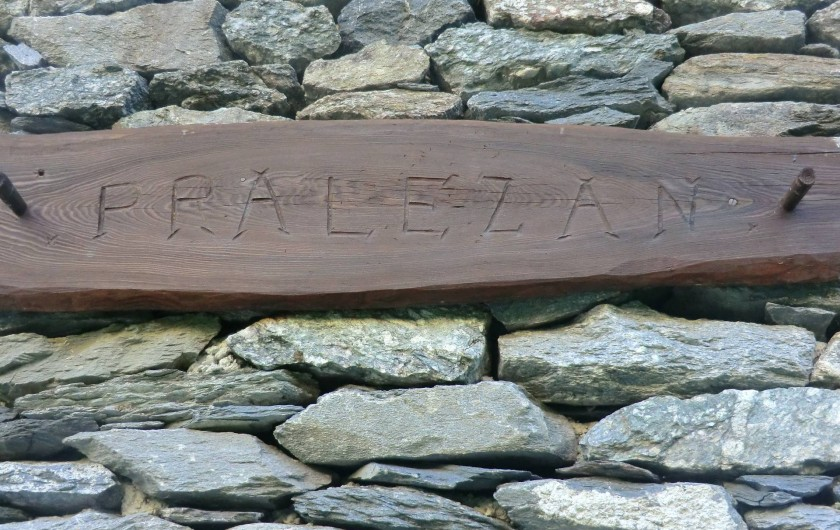 """Location de vacances - Chalet à Station de Valfréjus - Nom du chalet """"Pralezan"""""""