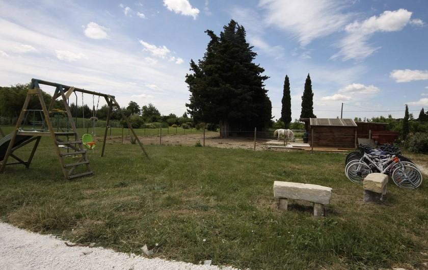 Location de vacances - Mas à Grillon - coin air de jeux pour enfants