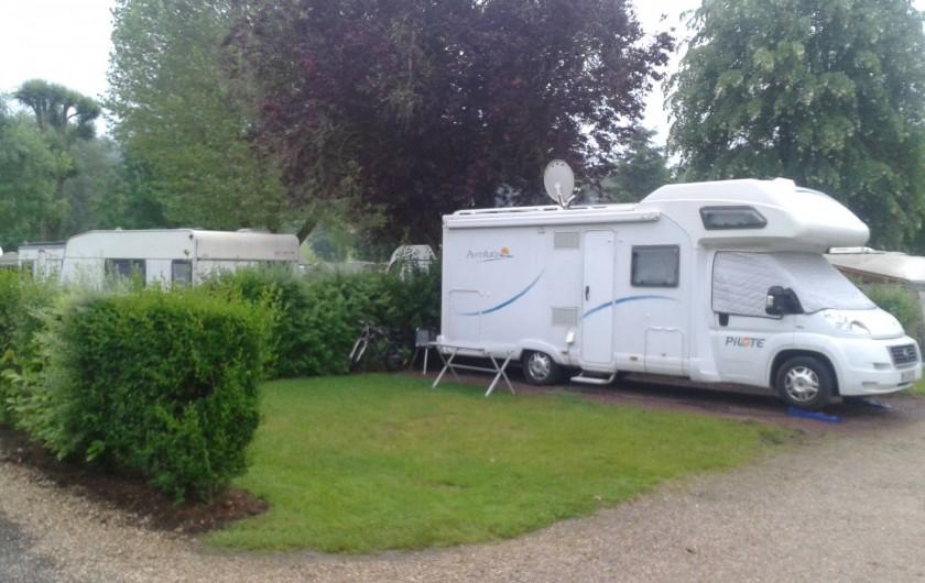 Location de vacances - Camping à Lyons-la-Forêt - Emplacement camping-car stabilisé