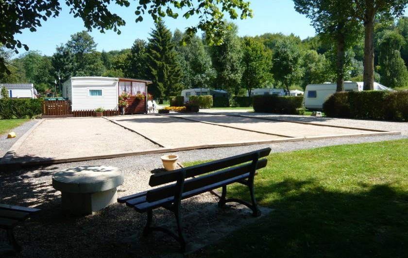 Location de vacances - Camping à Lyons-la-Forêt - Terrain de pétanque