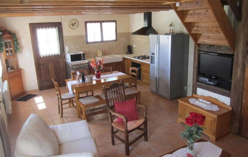 Location de vacances - Gîte à Saint-Laurent-des-Hommes - Vue de la cuisine