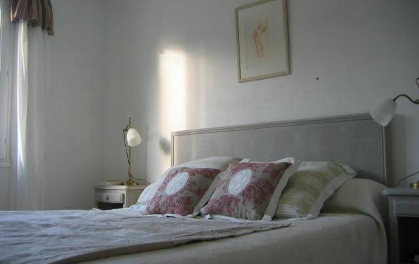 Location de vacances - Villa à Le Palais - chambre grand lit double rez-de chaussée