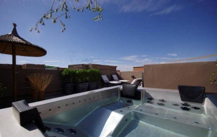 Location de vacances - Riad à Marrakech - Jacuzzi en terrasse