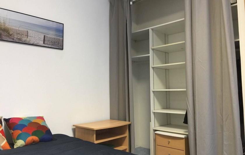 Location de vacances - Appartement à Saint-Raphaël - dressing