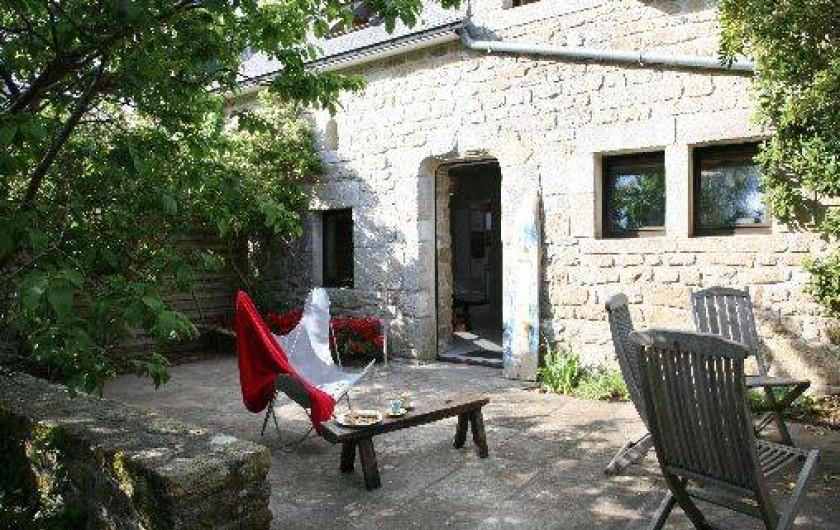 Location de vacances - Gîte à Fouesnant - Terrasse en soleil et ombre