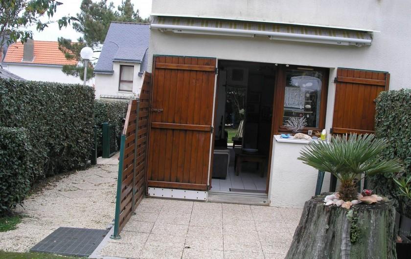 Location de vacances - Villa à Piriac-sur-Mer - acces terrasse vue du jardinet