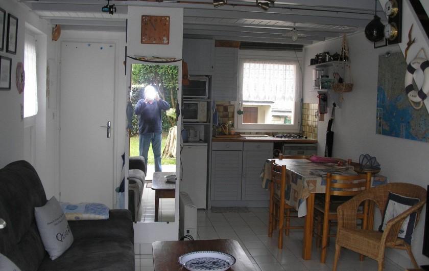 Location de vacances - Villa à Piriac-sur-Mer - piece principale coin cuisine salon