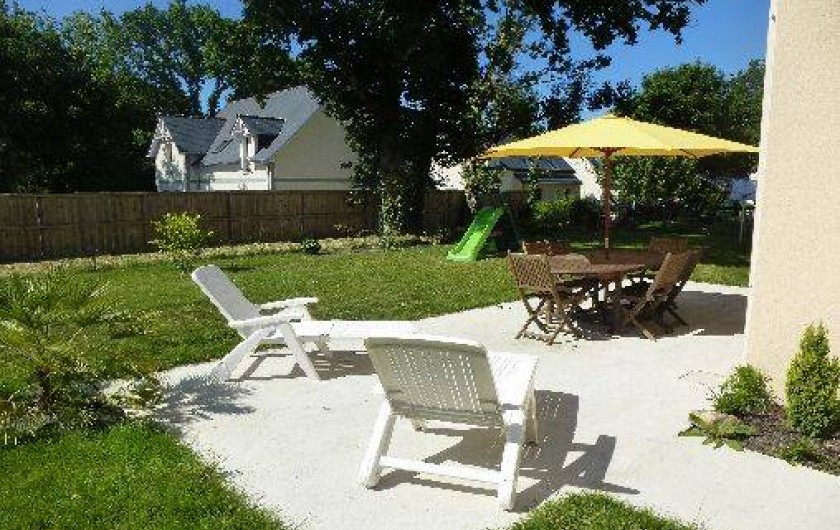 Location de vacances - Villa à Saint-Briac-sur-Mer - Coin détente avec des transats à dispositions