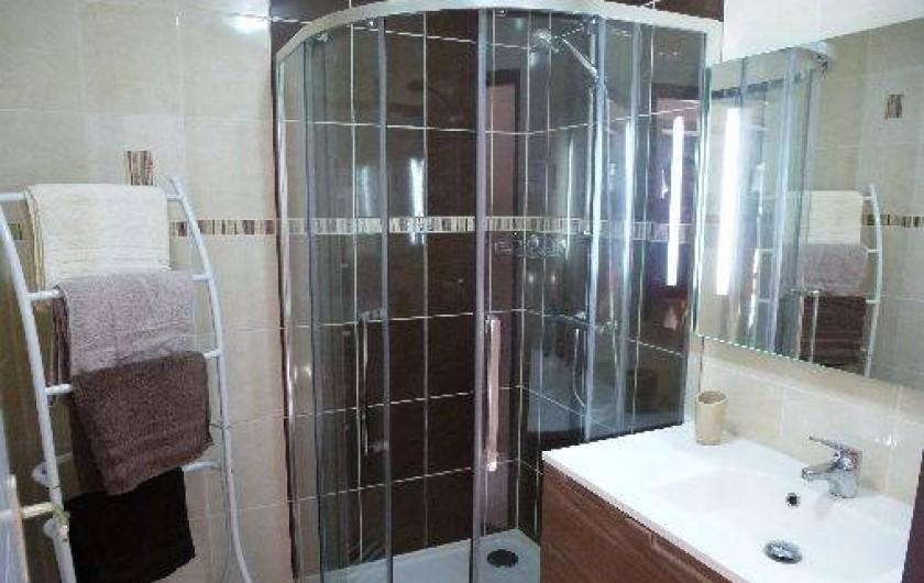 Location de vacances - Villa à Saint-Briac-sur-Mer - Salle d'eau avec douche (90x90)