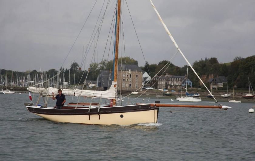 Location de vacances - Chalet à Plouër-sur-Rance - Le bateau du propriétaire du gite, qui pourra vous emmener pour une promenade