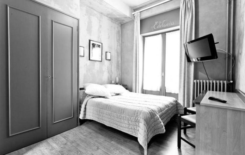 Location de vacances - Hôtel - Auberge à Cauterets - Chambre toute équipée TV, telephone et Wifi gratuit