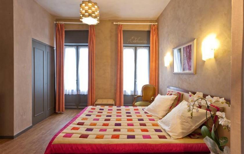 Location de vacances - Hôtel - Auberge à Cauterets - Chambre spacieuse et Baignoire