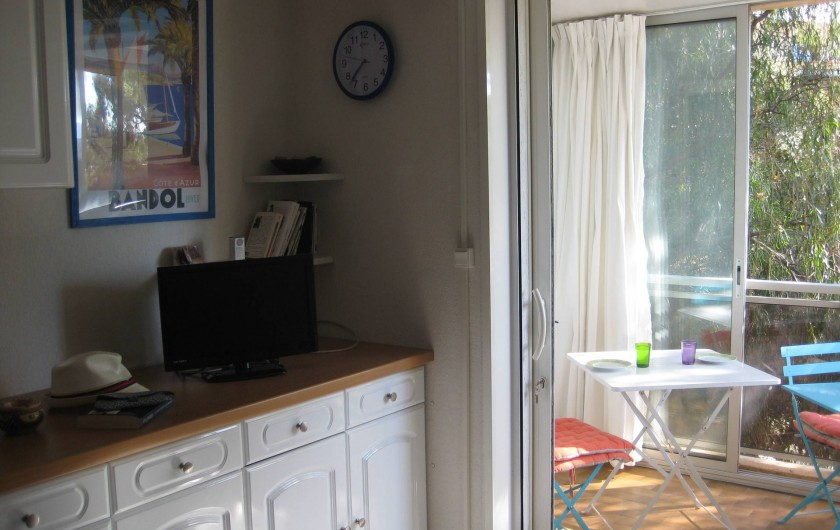 Location de vacances - Appartement à Bandol - aperçu sur la véranda