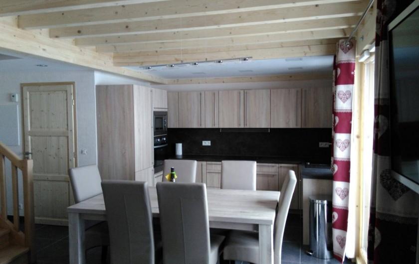 Location de vacances - Appartement à Le Corbier - vue complète de la cuisine