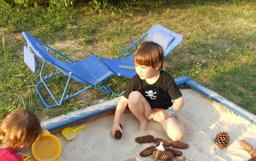 Location de vacances - Gîte à Saint-Rabier - Côté enfants, sable et jeux