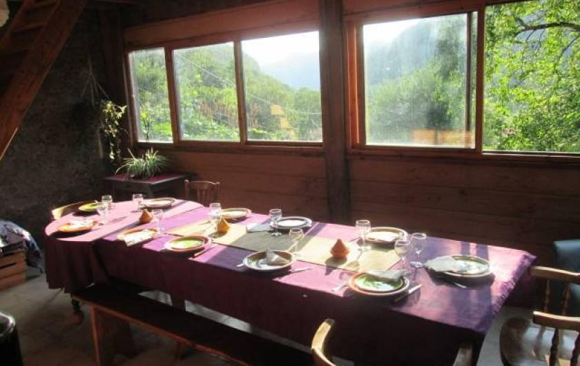 Location de vacances - Gîte à Malvezie - La table d'hôtes