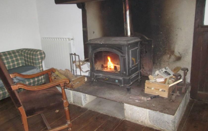 Location de vacances - Gîte à Malvezie - Ambiance montagne et feu de bois