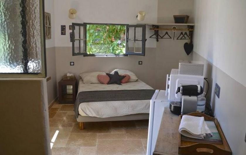 Location de vacances - Chambre d'hôtes à La Garde-Freinet - cabanon atelier