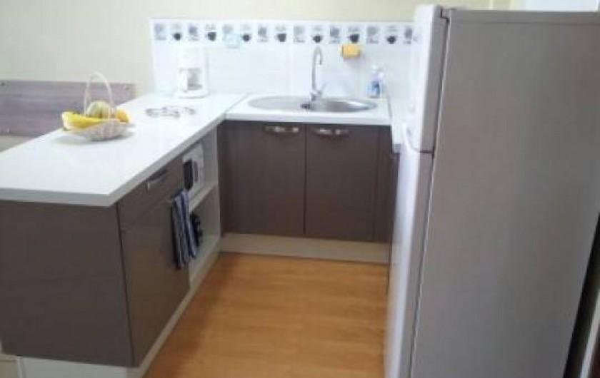Location de vacances - Appartement à Pointe du Bout - cuisine aménagée avec tout le nécessaire