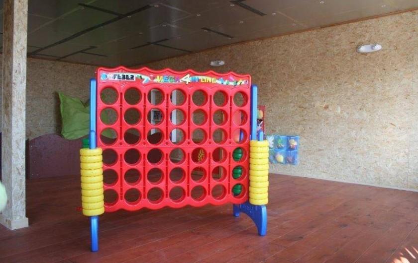 Location de vacances - Gîte à Durbuy - puissance 4 géant de la salle de jeux