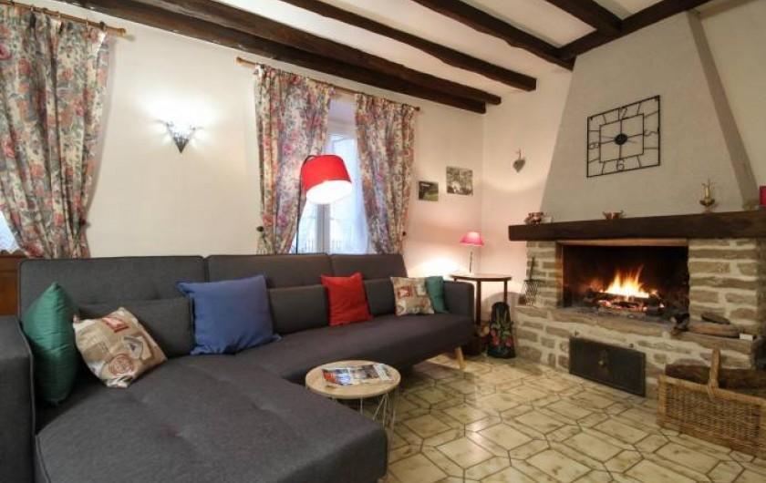 Location de vacances - Gîte à Châtellenot - Un salon entièrement rénové en décembre 2017