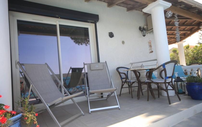 Location de vacances - Appartement à Saint-Florent - Terrasse privée coté mer du logement.
