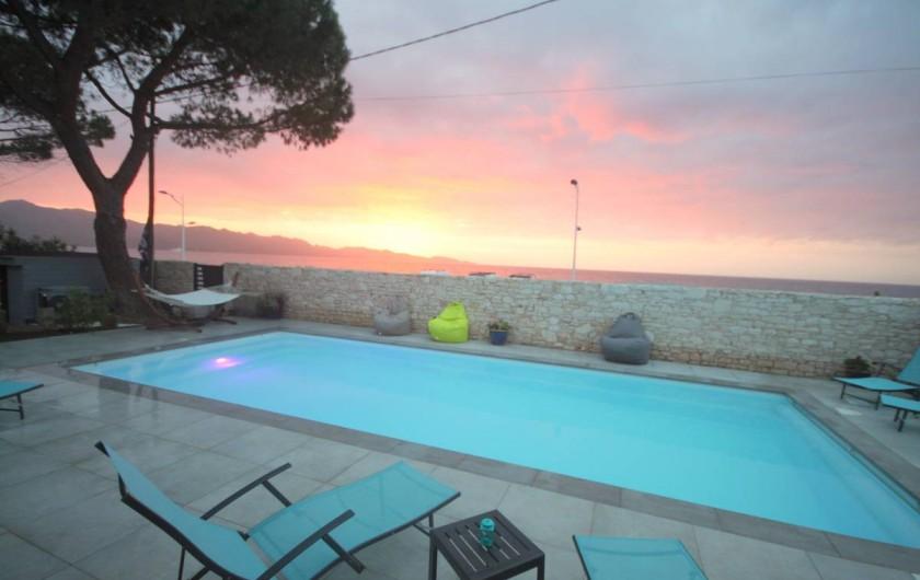 Location de vacances - Appartement à Saint-Florent - Un des magnifiques couchés de soleil.