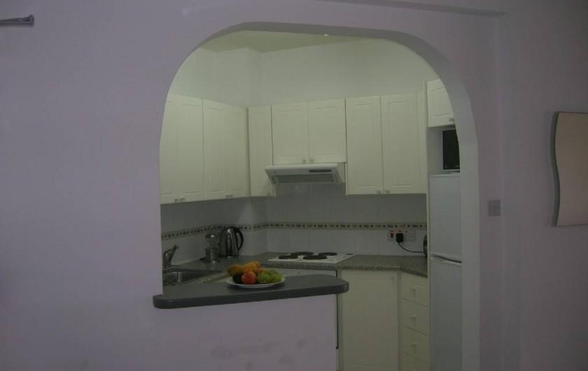 Location de vacances - Appartement à Kato Paphos - Cuisine parfaitement équipée