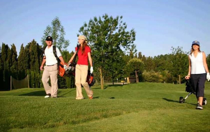 Location de vacances - Appartement à Platja d'Aro - Vous pouvez jouer au golf .