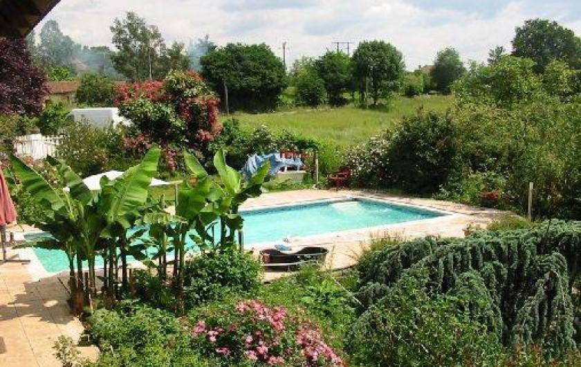 Location de vacances - Appartement à Bagnac-sur-Célé - PISCINE VUE DE MA CHAMBRE