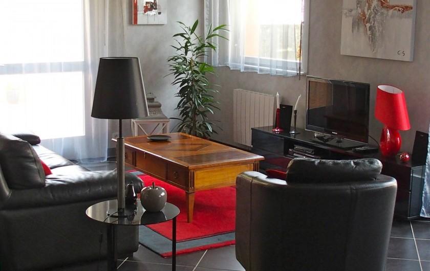 Location de vacances - Gîte à Ribeauville - Salon avec accès direct à la terrasse