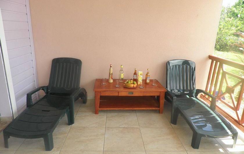 Location de vacances - Villa à Capesterre Belle Eau - Terrasse avec bain soleil