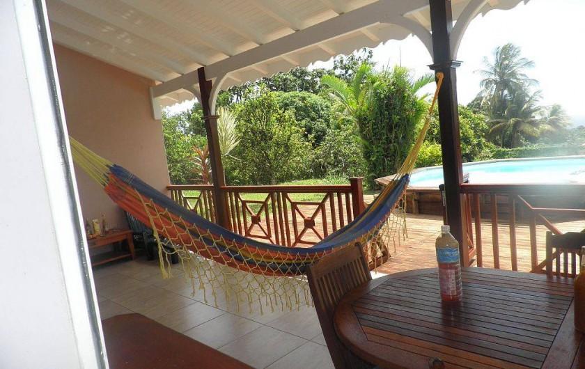 Location de vacances - Villa à Capesterre Belle Eau - Terrasse vu piscine