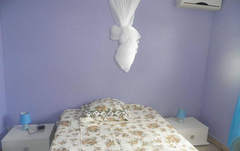 Location de vacances - Villa à Capesterre Belle Eau - chambre 1 lit deux places climatisée
