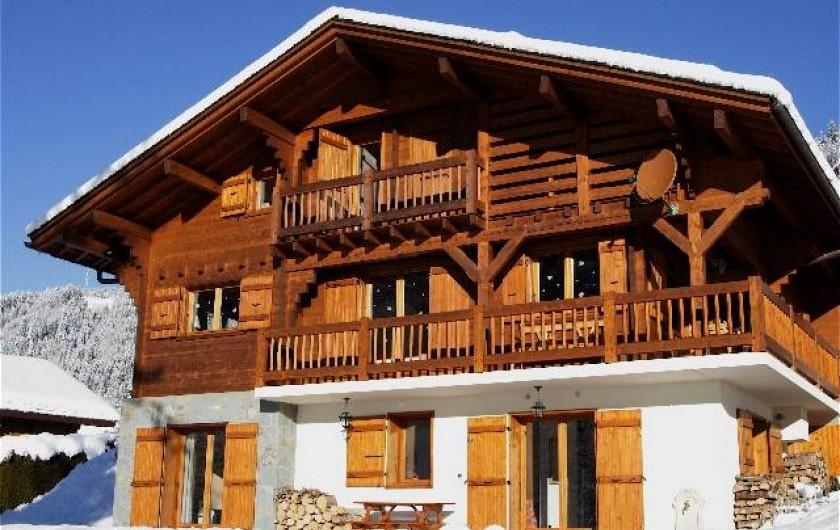 Location de vacances - Chalet à Le Grand-Bornand - le chalet l'hiver ,côté studio au rez de chaussée.