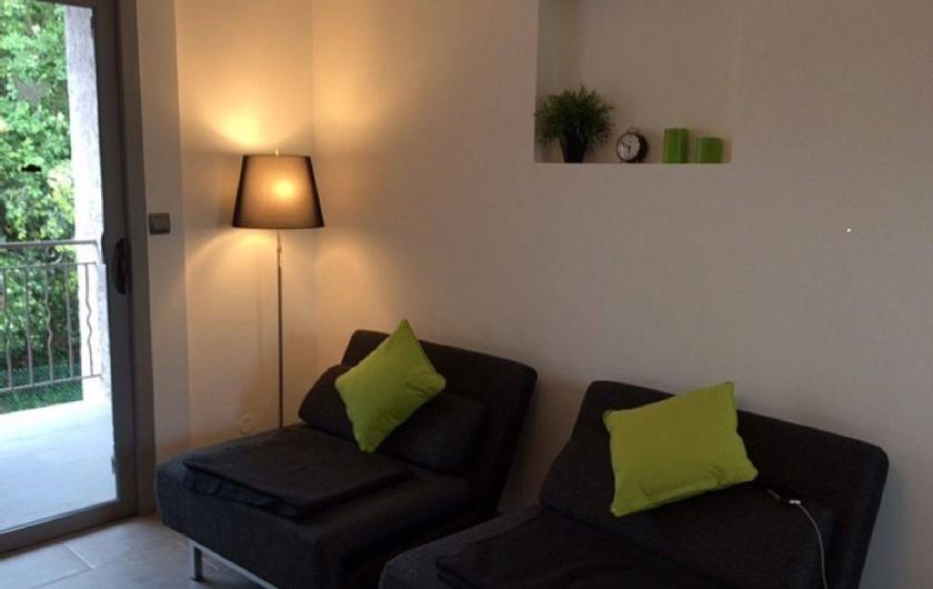 Location de vacances - Appartement à Six-Fours-les-Plages - banquettes individuelles convertibles