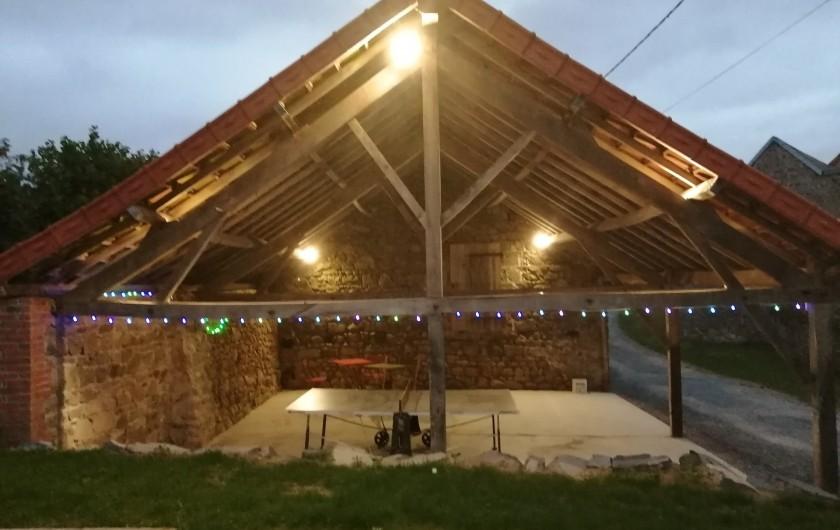 Location de vacances - Gîte à Charensat - Piscine
